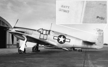 Certaines sources indiquent que le P-51 44-14017 reçut le Bureau Number (numéro de série attribué par l'US Navy) 57987. En fait, ce BuNo fut attribué à un P-51 évalué plus tôt par l'US Navy. Cette photo montre que le BuNo 57987 fut effectivement attribué à un P-51 (le s/n 41-37426) et non au P-51D qui effectua les essais en mer sur le Shangri-La. (Photo US Navy via Tommy Thomason)