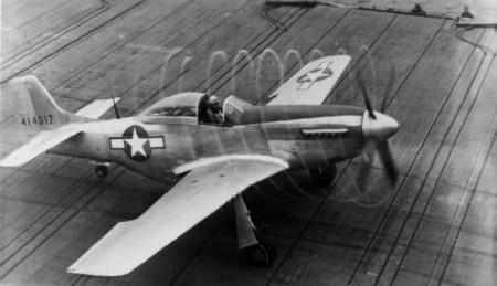 Une autre vue du 44-14017 piloté par le Lt Elder pendant les essais. (Photo US Navy)