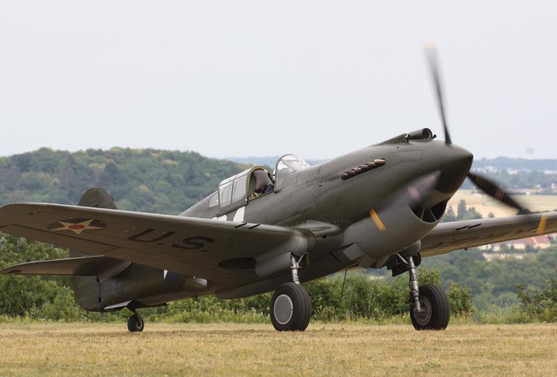 """bf9d0f43825 A la question """"Pensez-vous que L Echarpe Blanche devrait également couvrir l  actualité de l aviation ancienne à l étranger """""""