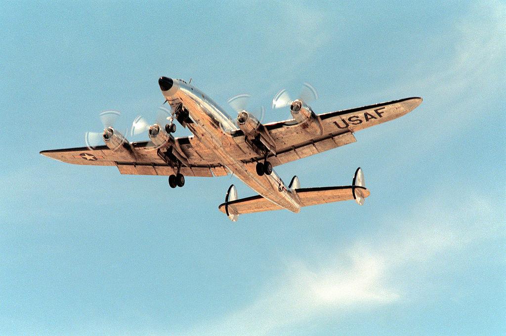 Columbine II décollant de la base de Davis-Monthan Air Force Base en Arizona le 24 October 1990. (Photo TSgt. Ron Woods, USAF)
