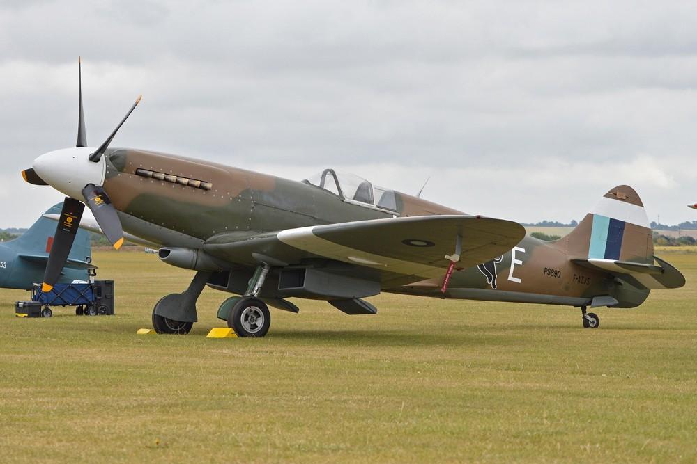 Le Spitfire PR.XIX F-AZJS à Duxford en 2015 (Photo Alan Wilson (CC BY-SA 2.0))