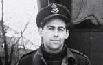 Squadron Leader Keith Thiele (Photo via The Telegraph)