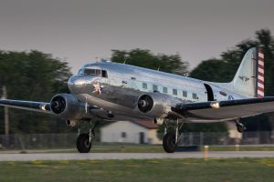 "Douglas C-47B (DC-3) ""Blue Bonnet Belle"" 43-49942 N47HL (Photo © Damien Defever)"