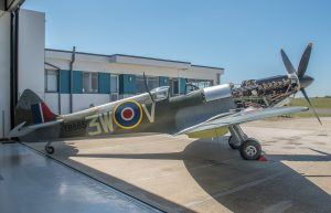 Le Spitfire Mk XVI TB885 (Photo© George Land)