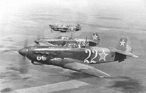Des Yakolev Yak-9 soviétiques durant la Seconde Guerre mondiale.