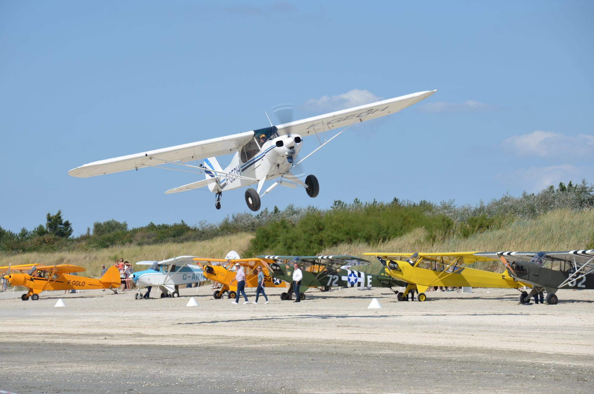 Piper Cub J-3 F-GEDH © Jean-Pierre Touzeau