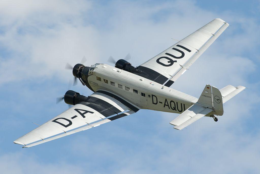 Le Junkers Ju 52 D-AQUI (D-CDLH) de la Deutsche Lufthansa Berlin Stiftung (Photo Neil (CC BY 2.0))