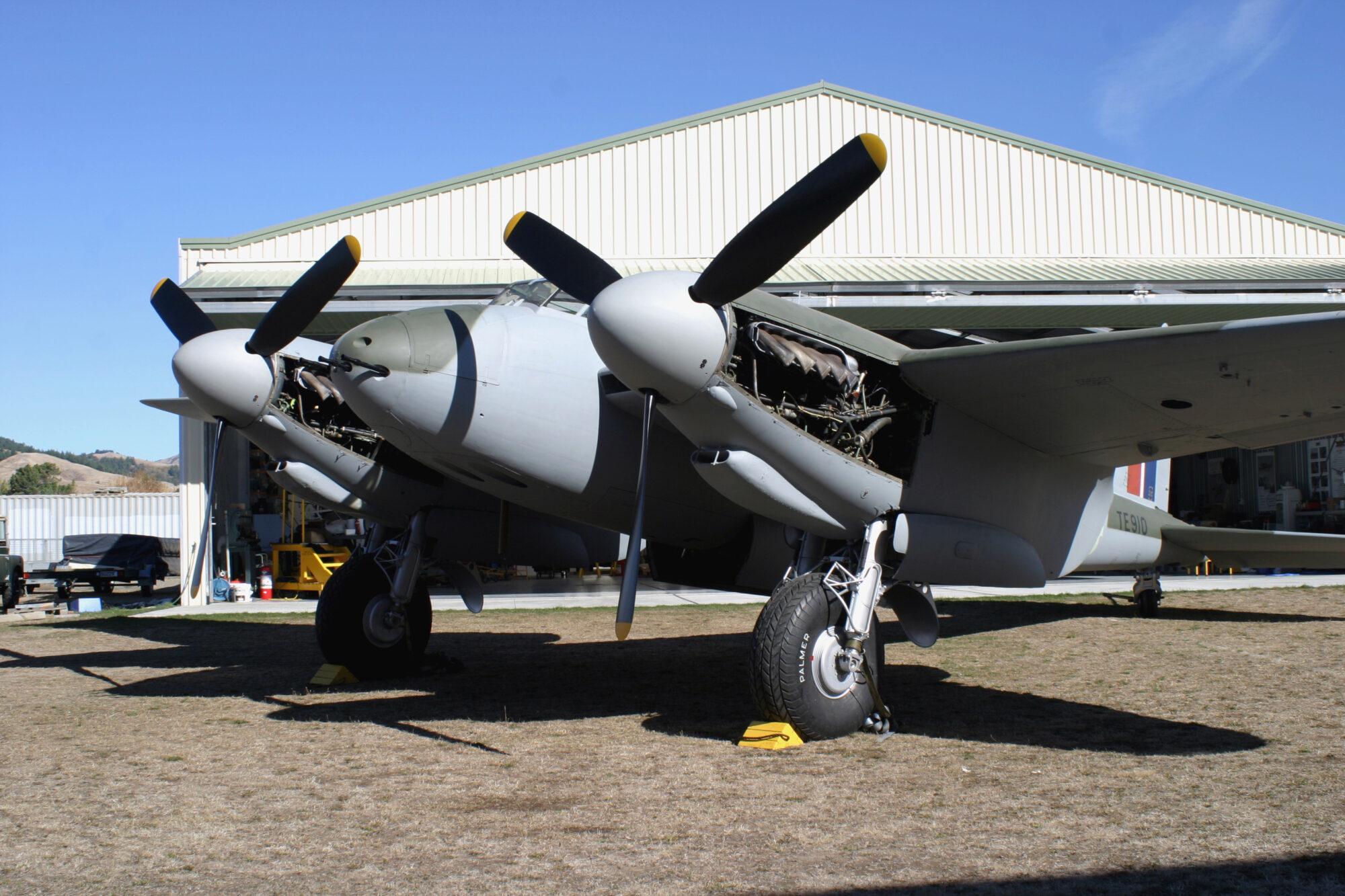 DH.98 Mosquito FB Mk. VI TE910 ( Photo © Dave McDonald )
