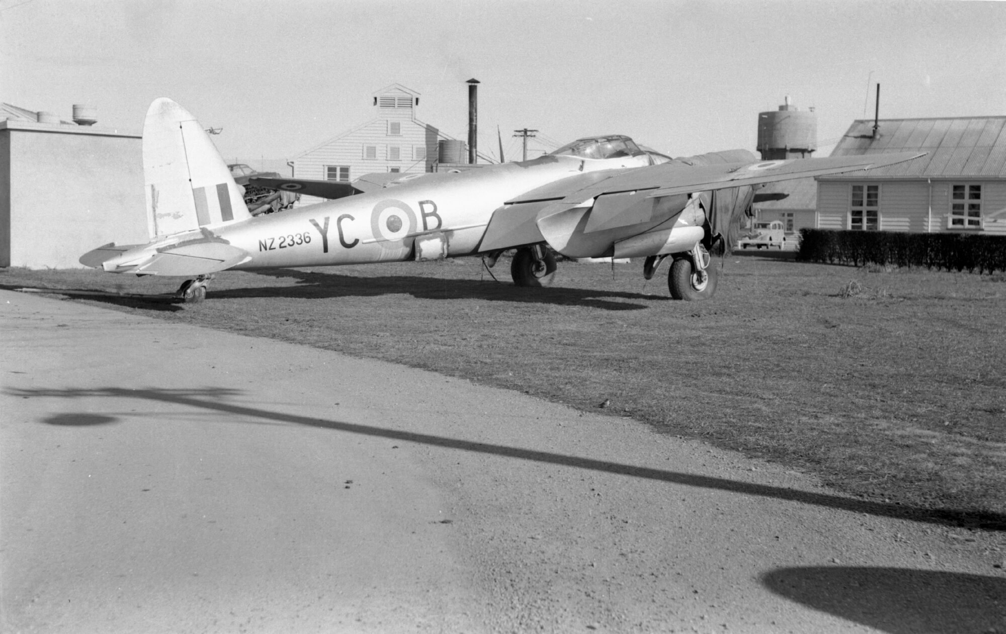 DH.98 Mosquito FB Mk. VI TE910-NZ2336 ( Photo © Des White personal collection via Air Force Museum of New Zealand )