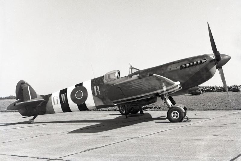 Le MH415 vu en 1961 lors du tournage du film Un jour plus long ( Photo © Vintage Fighter Restorations )
